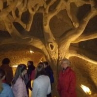 Kőfaragás a Grál-pincében