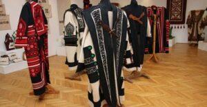 Kitesszük a szűrét Kárpát-medencei népművészeti pályázat